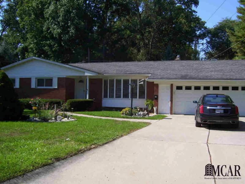 1591 RIVERVIEW AVE Monroe, MI 48162 by Coldwell Banker Haynes R.e. $209,900