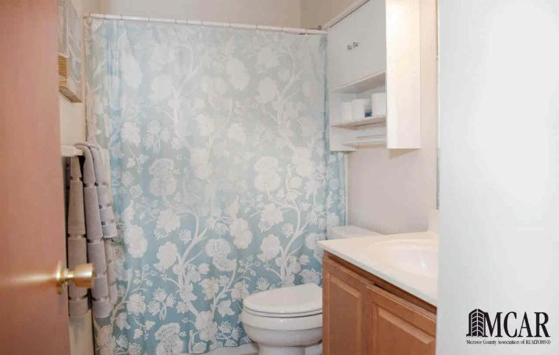 7537 WILLOW POINTE DR Temperance, MI 48182 by Key Realty One $199,900