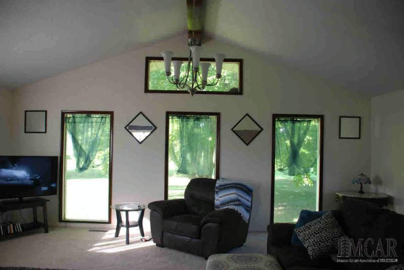 2800 EDGEWOOD RD Erie, MI 48133 by Howard Hanna $174,900