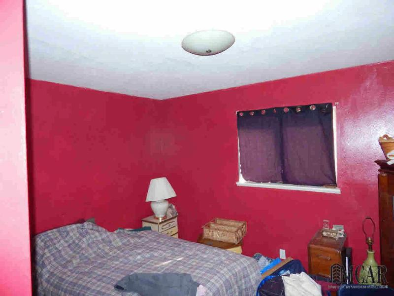 654 WASHINGTON AVE Temperance, MI 48182 by The Danberry Company $84,900