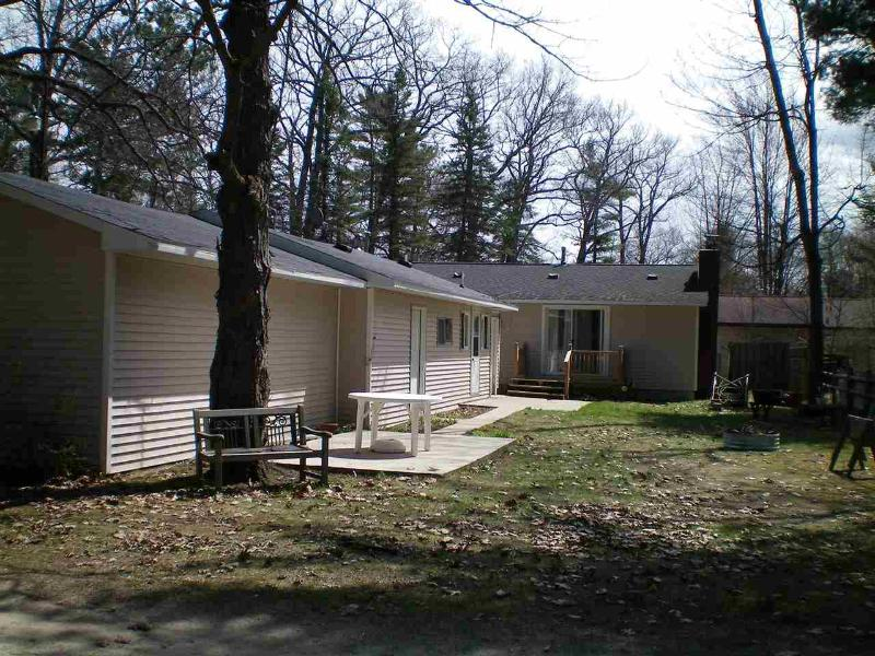 10461 W HIGGINS LAKE DR,  Higgins Lake, MI 48627 by Coldwell Banker Schmidt Realtors Houghton/Higgins $173,000