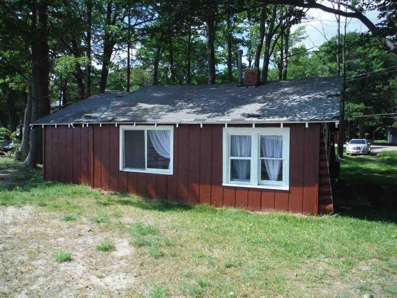 7007 E Houghton Lake Dr,  Houghton Lake, MI 48629 by Homewaters, Llc - Houghton Lake $129,900