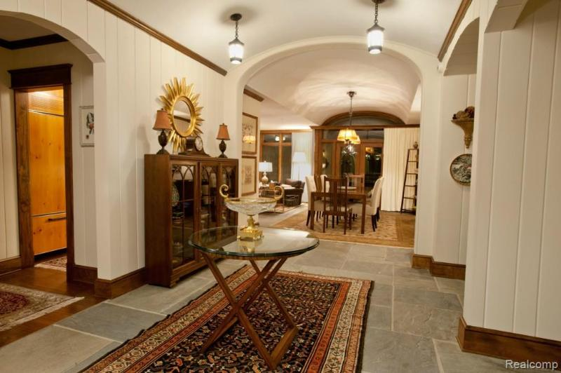 2623 TURTLE SHORES Bloomfield Township, MI 48302 by Victor Properties, Inc $4,990,000
