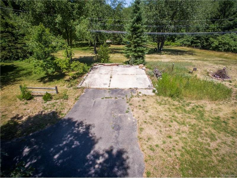 895 E Wardlow Rd,  Highland, MI 48356 by Realty Concierge Group $74,900