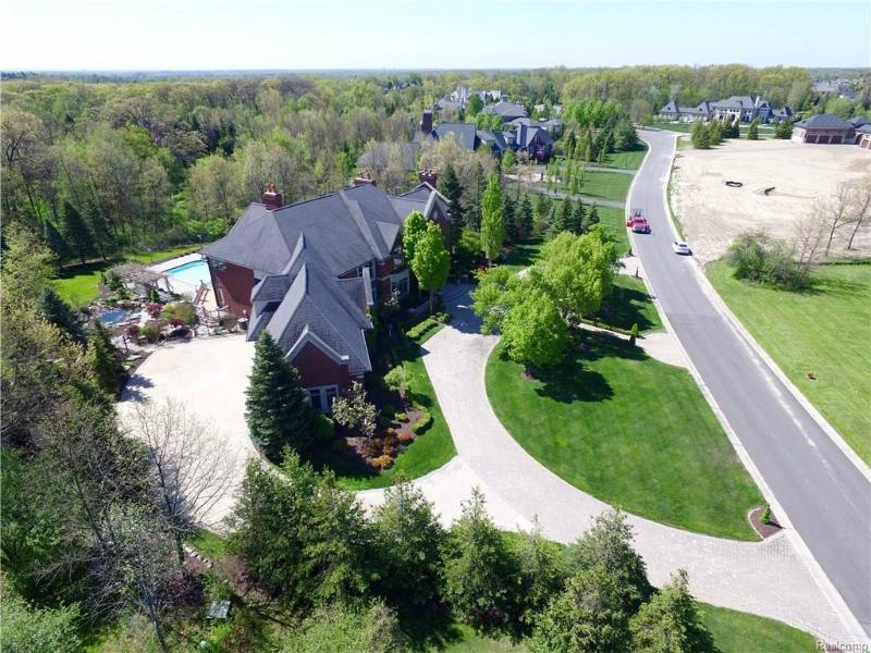 5345 ORCHARD RIDGE Drive Oakland Charter Township, MI 48306 by Real Estate One $1,980,000