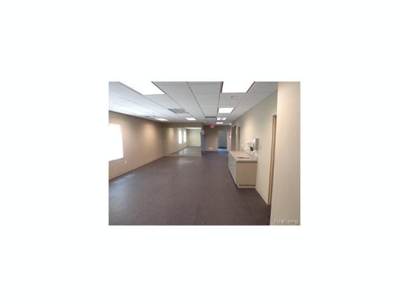 11174 Highland Road Hartland Township, MI 48353 by Re/Max Platinum-Hartland $1,070,000