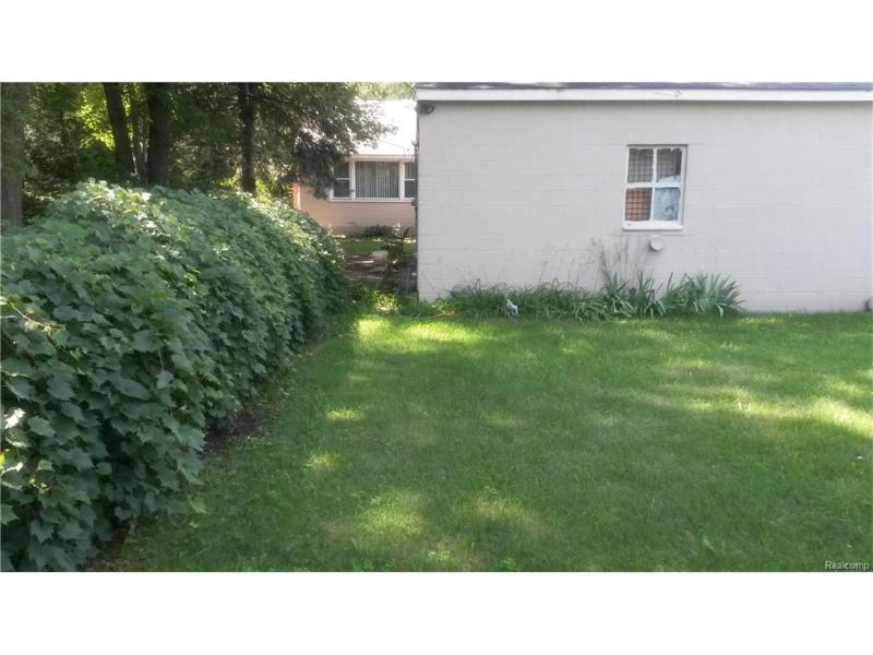 21054 INKSTER Road Southfield, MI 48033 by Bowers Realty & Investments, Inc $89,900