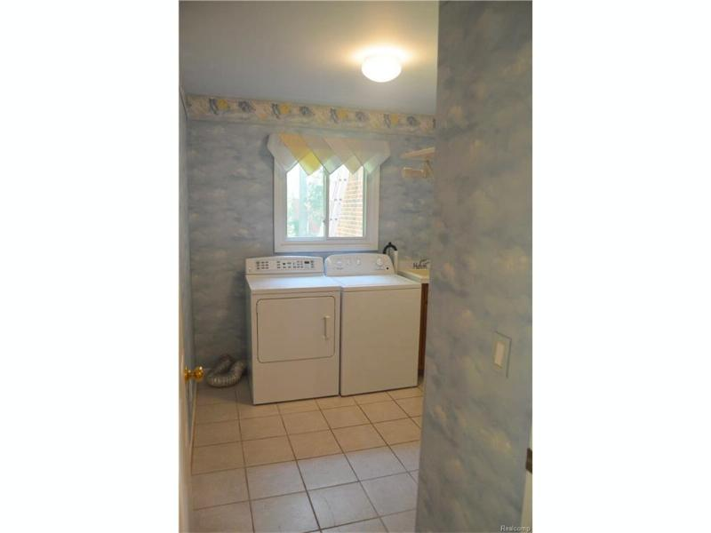 8584 Sherwood,  Grosse Ile, MI 48138 by Re/Max Innovation $390,000