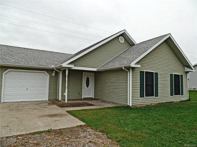 4464 Barnes Rd,  Millington, MI 48746 by Re/Max Grande $164,900