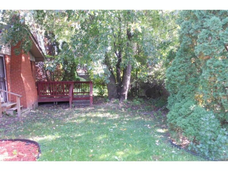 20120 Salisbury St,  Saint Clair Shores, MI 48080 by Coldwell Banker Weir Manuel-Gpf $137,900