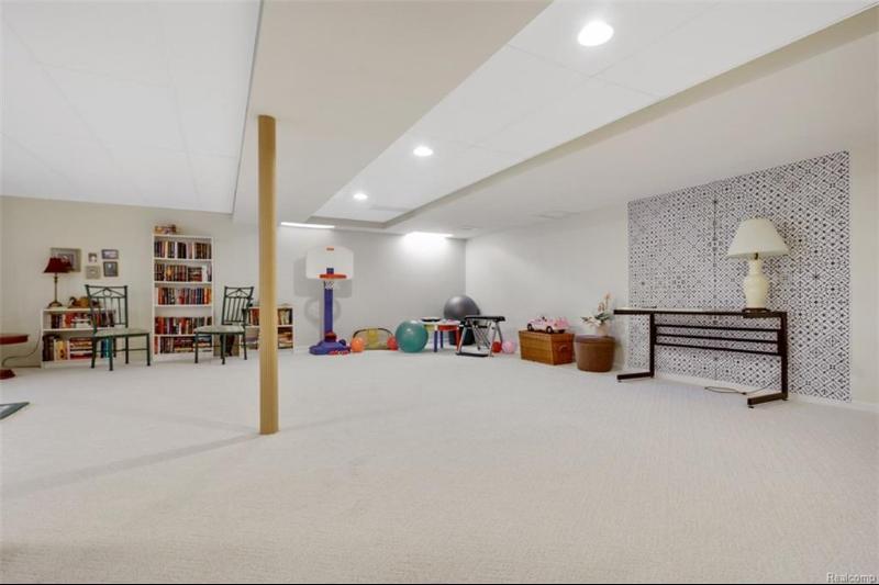 5491 Crystal Creek Ln,  Washington, MI 48094 by Real Estate One $599,000