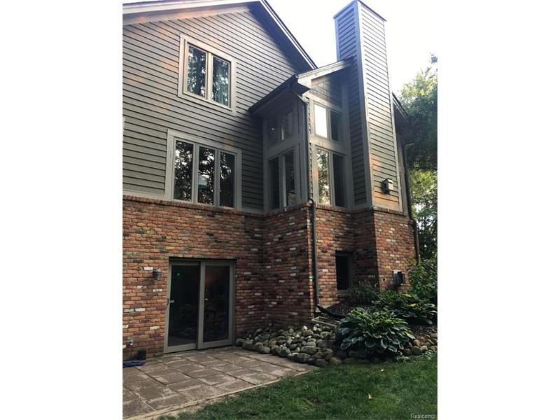 9050 Stonehause Crt,  Clarkston, MI 48348 by National Realty Centers Birmingham $379,900