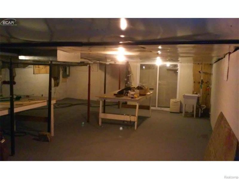 7530  Miller Rd,  Swartz Creek, MI 48473 by Burrell Real Estate Inc. $129,800