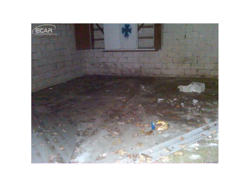 2505 Lester Court Flint, MI 48503 by Gebrael Management $7,900