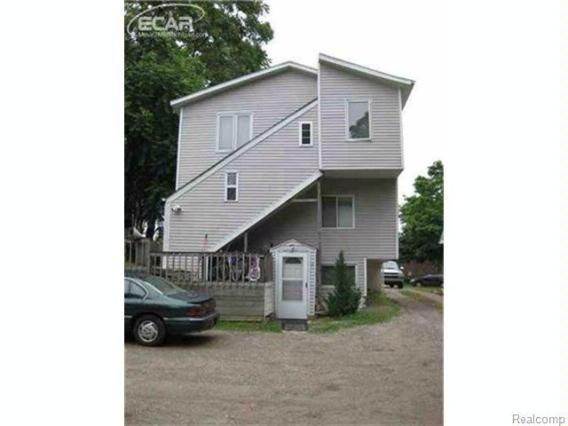 129 N Maple St,  Flushing, MI 48433 by Remax Town & Country $149,900