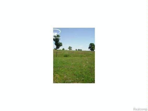 17070  Kings Fairway Ln,  Grand Blanc, MI 48439 by Century 21 Metro Brokers $527,750