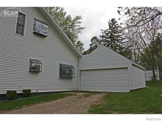 715 E Main St,  Flushing, MI 48433 by Lucy Ham Group Inc $124,900