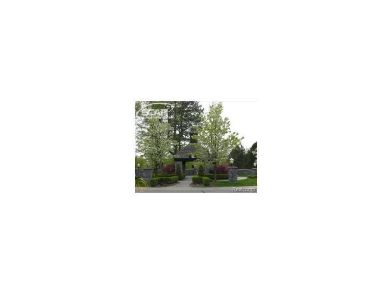 6275  Bridle Path,  Grand Blanc, MI 48439 by Century 21 Metro Brokers $941,299