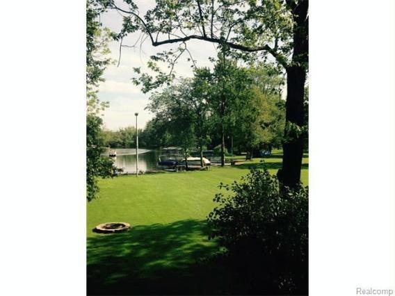4790  Downing Dr,  Pinckney, MI 48169 by Crown Real Estate Group $299,900