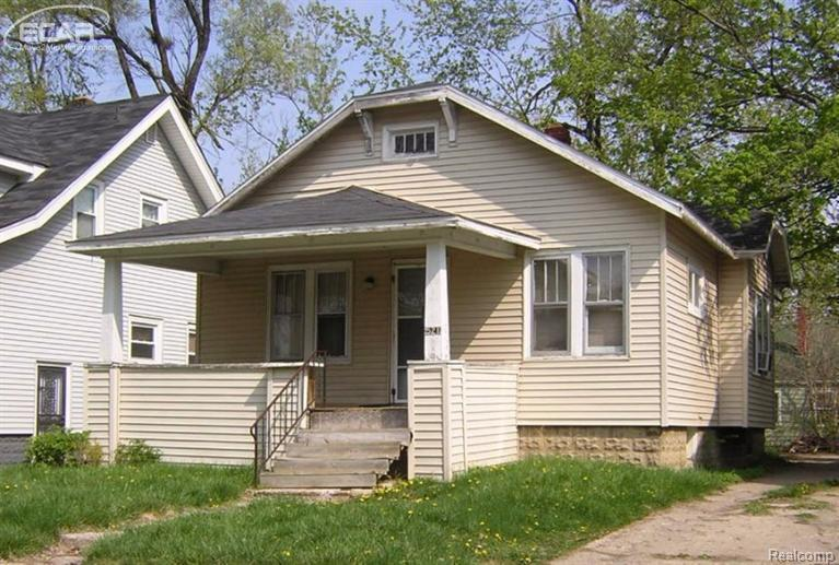 521 E Marengo Ave,  Flint, MI 48505 by Remax Real Estate Team $4,800
