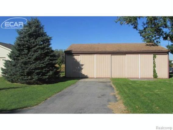 5566  Dorwood Rd,  Saginaw, MI 48601 by Remax Prime Properties $177,000