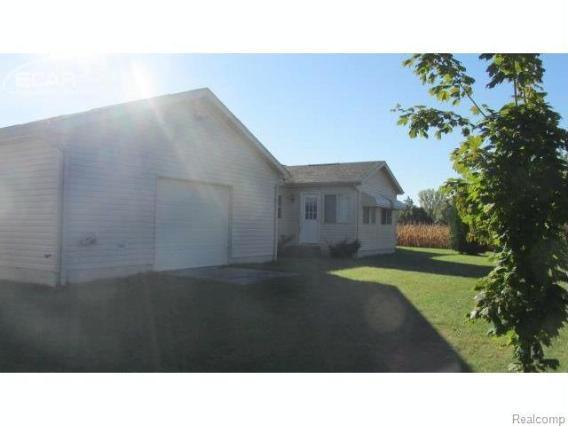 5566 Dorwood Road Saginaw, MI 48601 by Remax Prime Properties $177,000