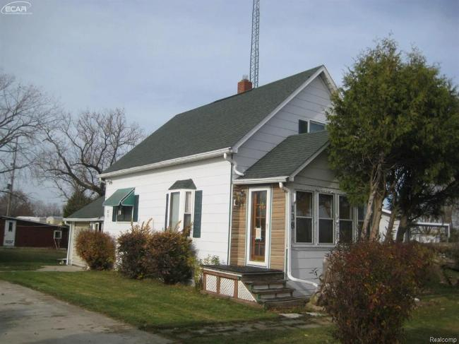 138 Nelson Street Harbor Beach, MI 48441 by Richvalsky & Sons Realty Co. $59,900