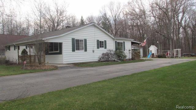 3915  Jim Dr,  Bridgeport, MI 48722 by Remax Prime Properties $99,700