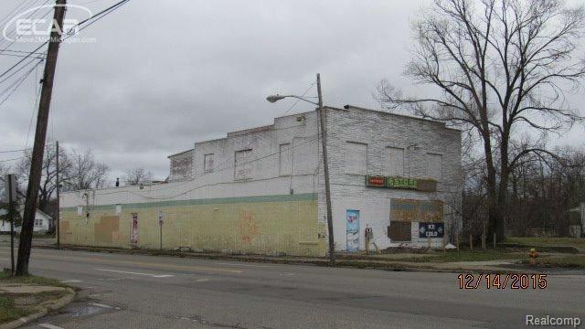 101 E Flint Park Blvd,  Flint, MI 48505 by Andrea J. Borrow $49,900