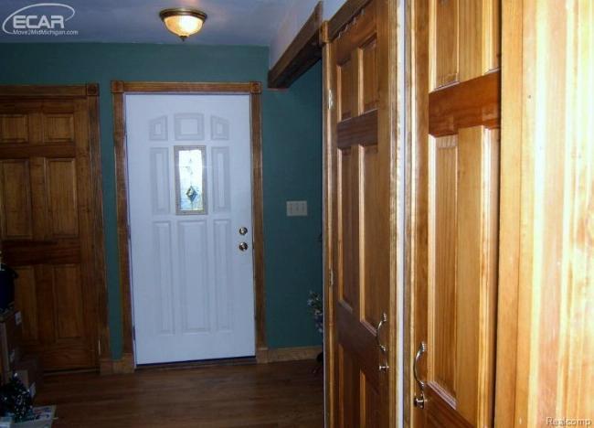 632 W Hosmer St,  Saint Charles, MI 48655 by Remax Tri County $89,900
