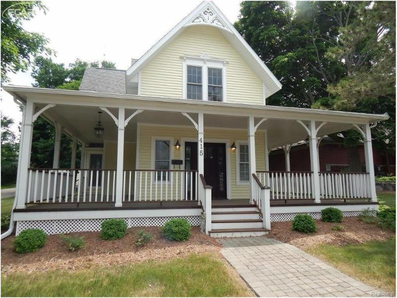 415 W Main St,  Flushing, MI 48433 by Remax Town & Country $235,000