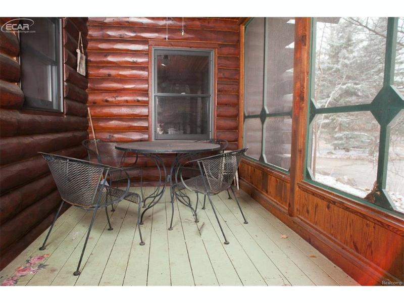 6245 Seymour Road Swartz Creek, MI 48473 by Remax Platinum Fenton $349,000