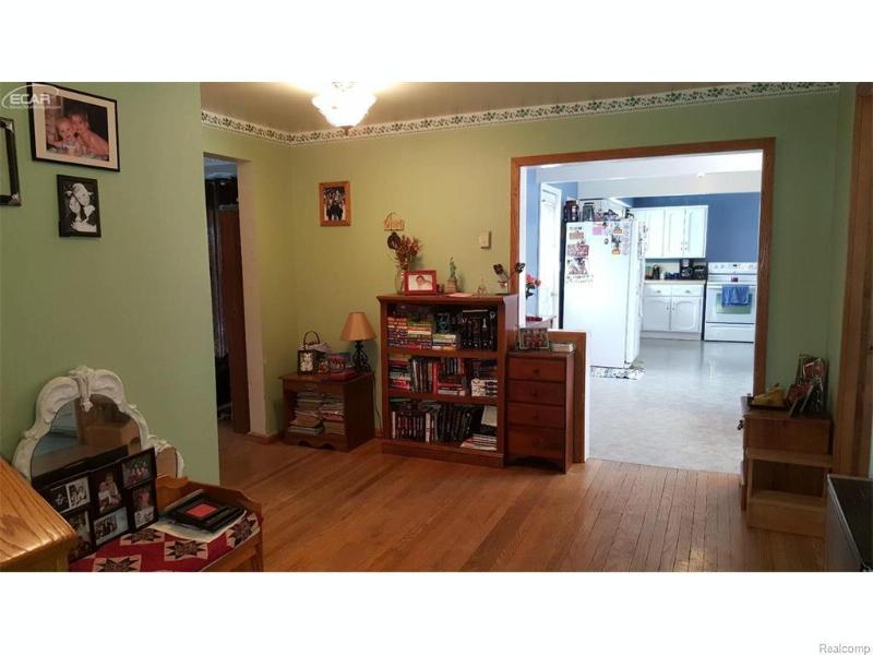 4652  Main St,  Millington, MI 48746 by Remax Right Choice $109,900