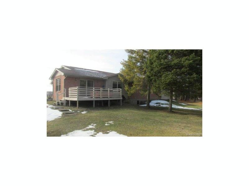 5853  Reimer Rd,  Bridgeport, MI 48722 by Remax Prime Properties $219,000