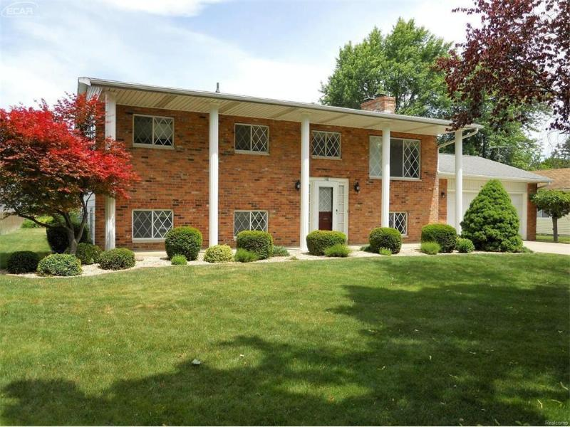 148 S Franconian Dr,  Frankenmuth, MI 48734 by Remax Prime Properties $169,900