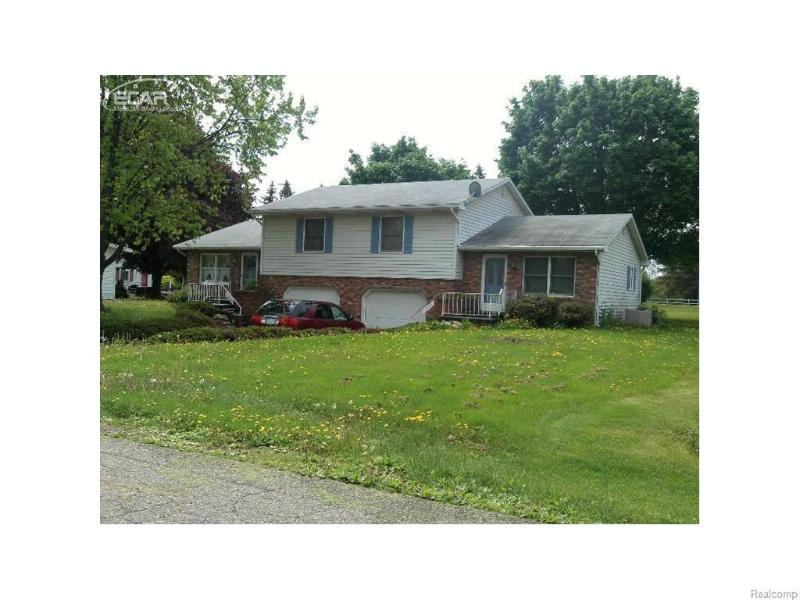 1946  Owosso Ave Ave,  Owosso, MI 48867 by Burrell Real Estate $114,900