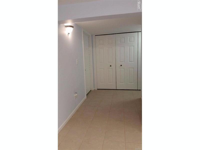 404 N Mckinley Rd,  Flushing, MI 48433 by Michele Blair $169,900