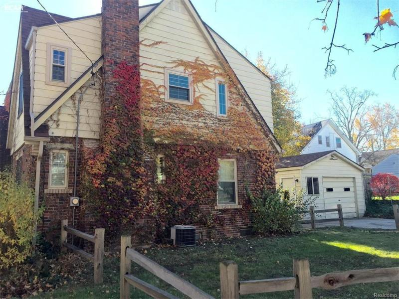 1502  Irene Ave Flint, MI 48503 by Remax Platinum Fenton $950
