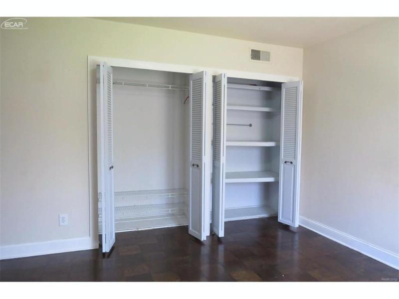 1735 Tiverton #12 Road Bloomfield Hills, MI 48304 by Berkshire Hathaway Homeservices Michigan Real Esta $179,900