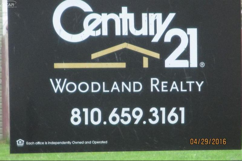 6129  Boulder Dr,  Flushing, MI 48433 by Century 21 Woodland Realty $19,500