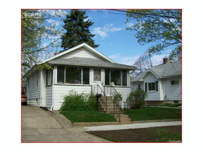 2433 N Vernon Ave,  Flint, MI 48506 by Remax Real Estate Team $20,900