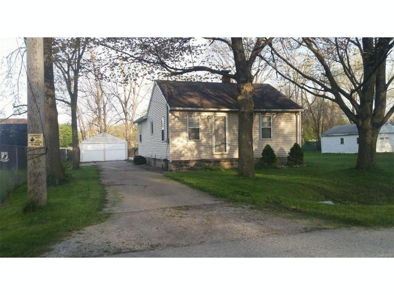 1600 Eberly Road Flint, MI 48532 by Century 21 Prestige $29,900
