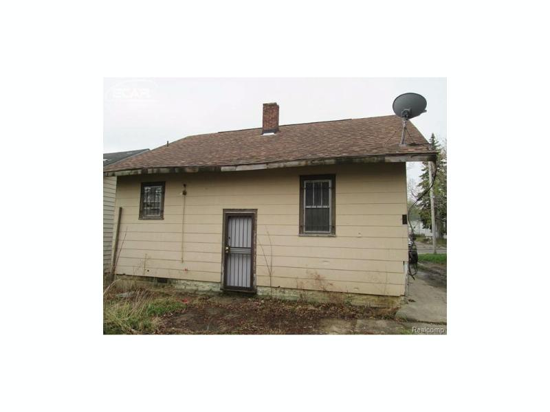 2618  Gibson St,  Flint, MI 48503 by Gebrael Management $11,900