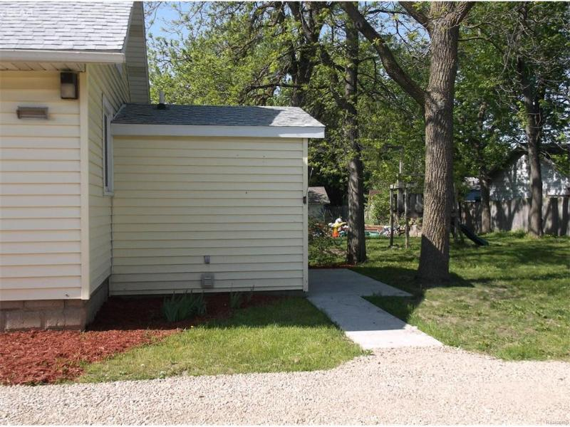 553 Harrison Owosso, MI 48867 by Burrell Real Estate $45,000