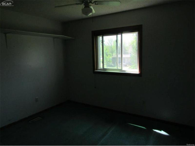 6301  Bennett Rd,  Fenton, MI 48430 by Mcguirk Realty Inc. $52,500