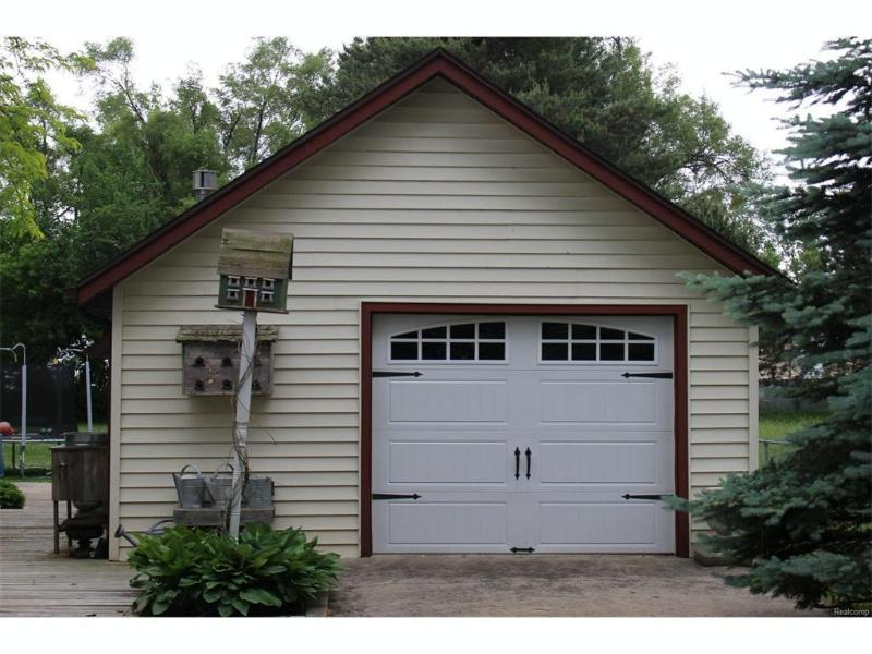 8073  Ingalls St,  Swartz Creek, MI 48473 by Banacki Properties $145,000
