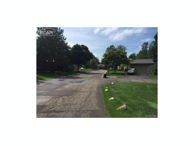 2416  Tanbark Oak Dr,  Flint, MI 48532 by Berkshire Hathaway Homeservices Michigan Real Esta $1,400
