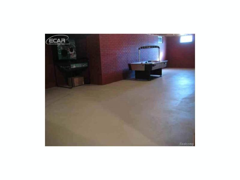 5400  Bright Creek Ct,  Flint, MI 48532 by Andrea J. Borrow $187,500