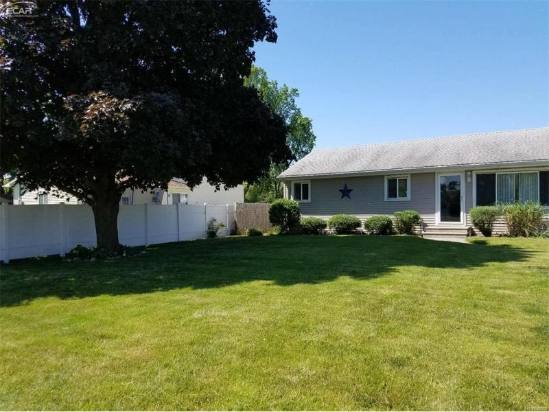 2207  Mapleridge Rd,  Saginaw, MI 48604 by Independent Realty Inc. $69,000