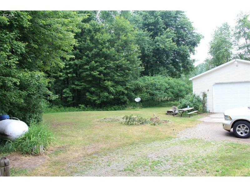 15914  Niblock Rd,  Chesaning, MI 48616 by Remax Right Choice $114,900